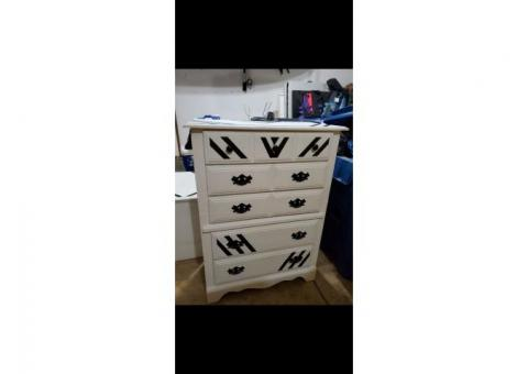 Full Size Dresser and Night Stand