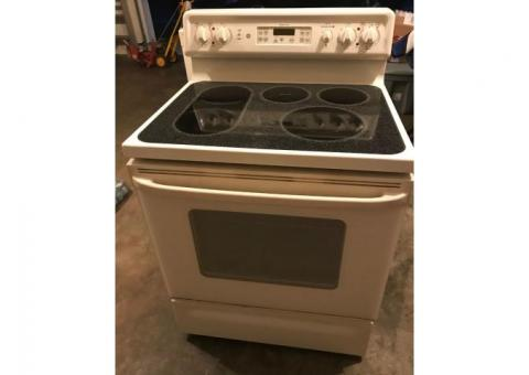 GE Spectrum Electric Stove/Oven